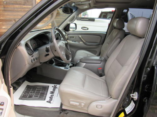 2001 Toyota Sequoia Limited (13)
