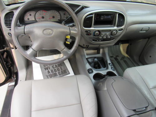 2001 Toyota Sequoia Limited (16)