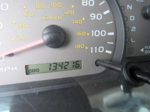 2002 Toyota Sequoia Limited (11)
