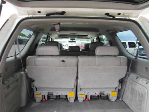 2002 Toyota Sequoia Limited (17)