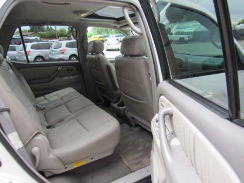 2002 Toyota Sequoia Limited (18)