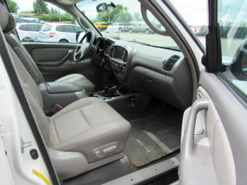2002 Toyota Sequoia Limited (19)