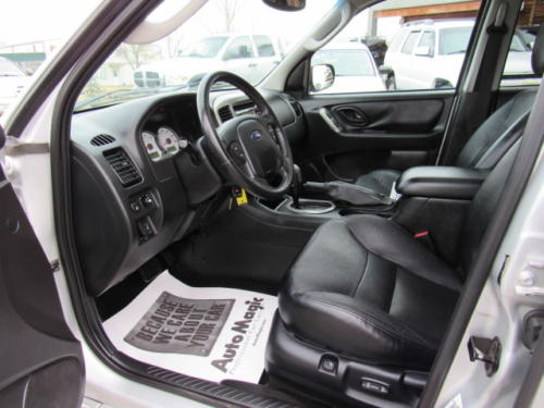 2005 Ford Escape Limited (11)