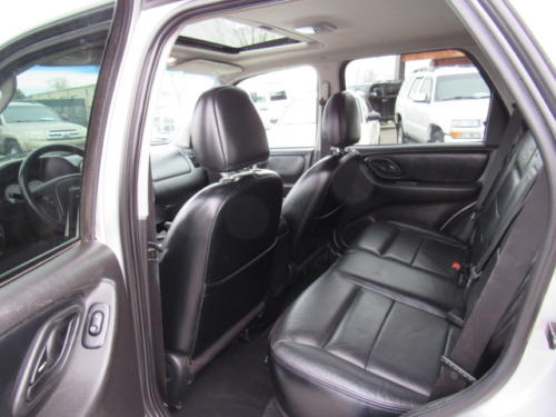 2005 Ford Escape Limited (15)