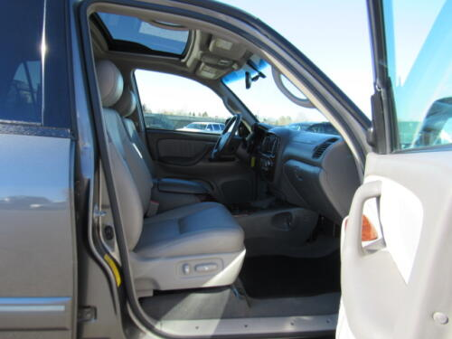 2005 Toyota Sequoia Limited (1)