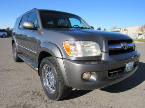 2005 Toyota Sequoia Limited (10)