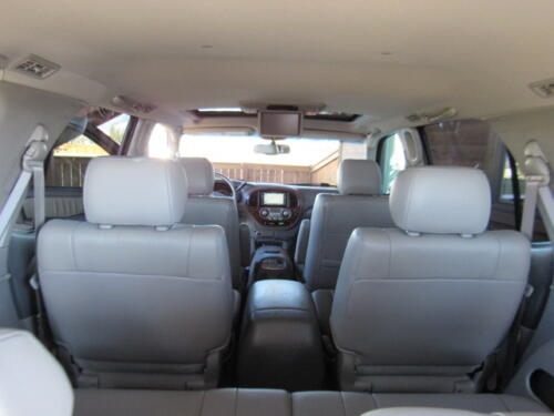 2005 Toyota Sequoia Limited (17)