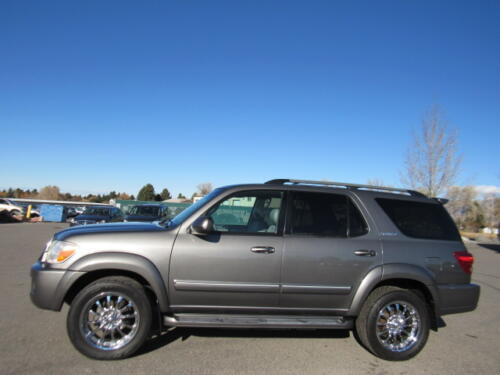 2005 Toyota Sequoia Limited (4)