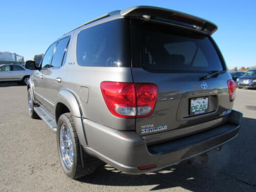 2005 Toyota Sequoia Limited (5)