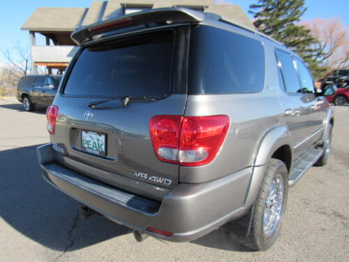 2005 Toyota Sequoia Limited (8)