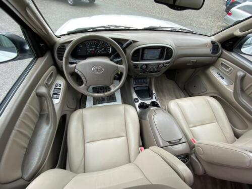 2006 Toyota Sequoia Limited (16)