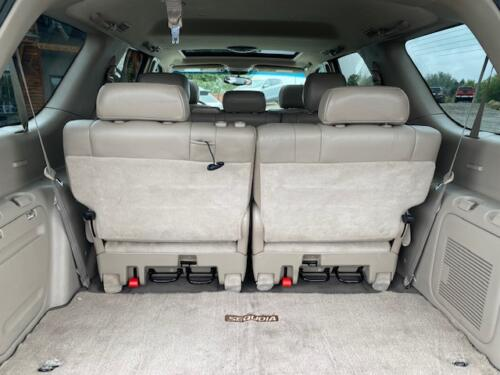 2006 Toyota Sequoia Limited (17)