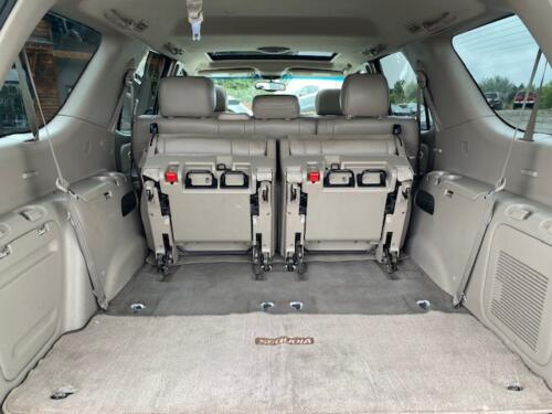 2006 Toyota Sequoia Limited (18)