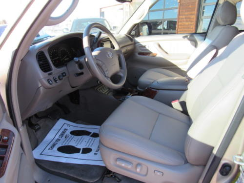 2006 Toyota Sequoia Limited (19)