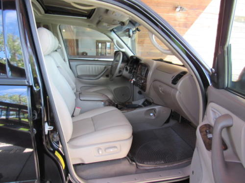 2006 Toyota Sequoia Limited (22)