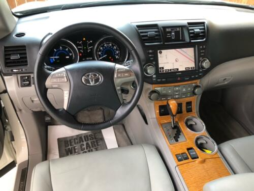 2010 Toyota Highlander Limited (8)