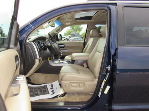 2010 Toyota Sequoia Limited (15)