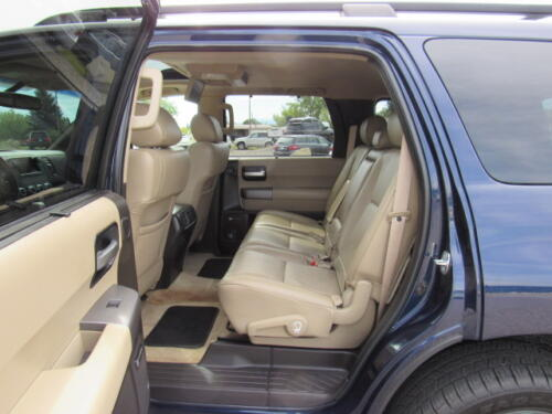2010 Toyota Sequoia Limited (16)