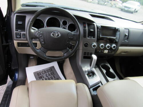 2010 Toyota Sequoia Limited (17)