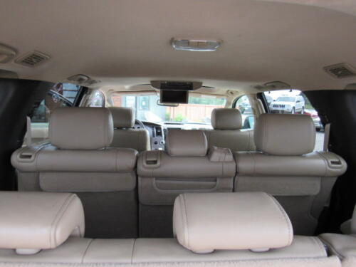 2010 Toyota Sequoia Limited (19)