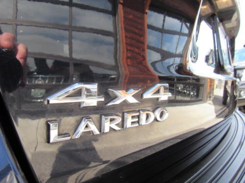 2011 Jeep Grand Cherokee Laredo (1)