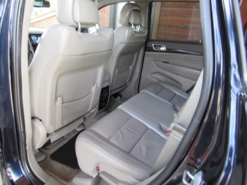 2011 Jeep Grand Cherokee Laredo (17)