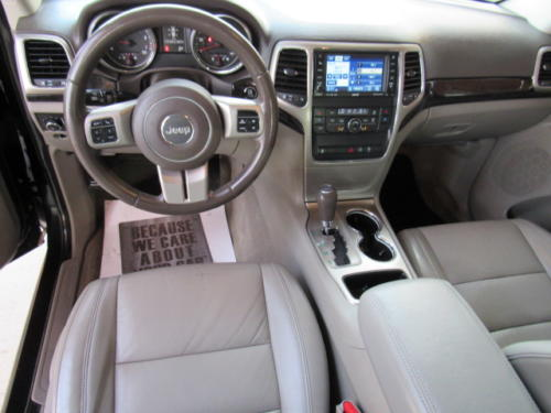 2011 Jeep Grand Cherokee Laredo (18)