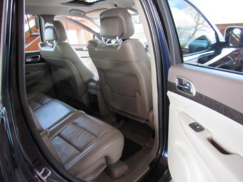 2011 Jeep Grand Cherokee Laredo (20)