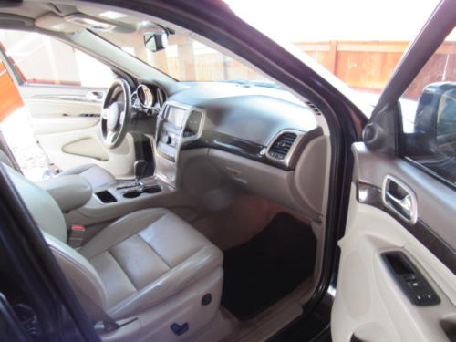 2011 Jeep Grand Cherokee Laredo (21)