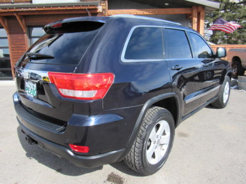 2011 Jeep Grand Cherokee Laredo (3)
