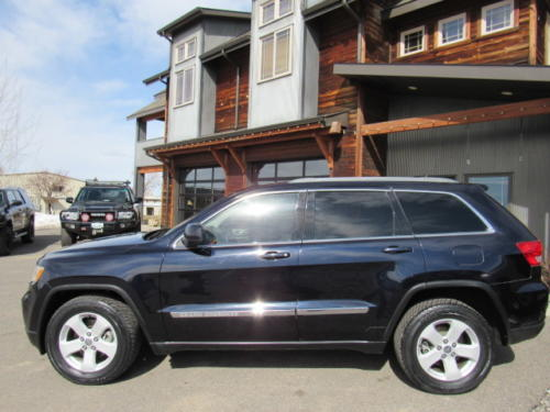 2011 Jeep Grand Cherokee Laredo (8)
