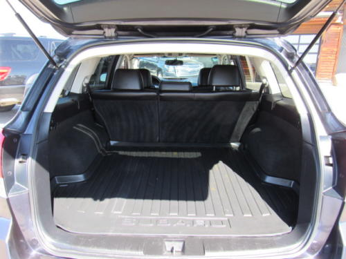 2011 Subaru Outback Limited (19)