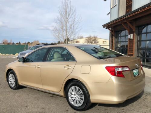 2012 Toyota Camry LE (14)