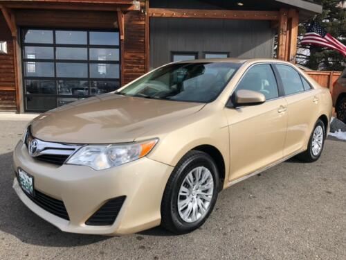 2012 Toyota Camry LE (16)