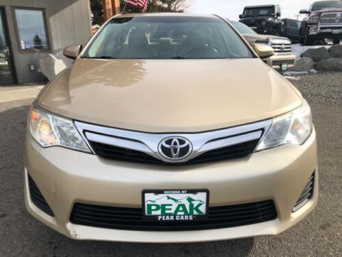 2012 Toyota Camry LE (17)