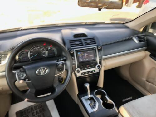 2012 Toyota Camry LE (4)