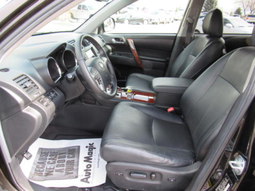 2012 Toyota Highlander Limited (17)