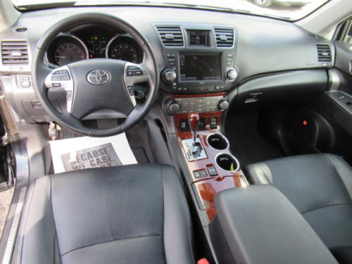 2012 Toyota Highlander Limited (19)