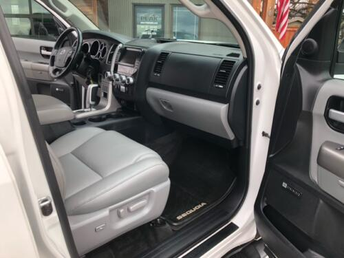 2012 Toyota Sequoia Limited (14)