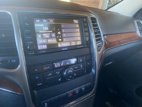 2013 Jeep Grand Cherokee Limited (11)