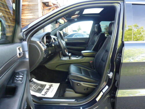 2015 Jeep Grand Cherokee Limited (17)