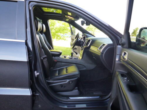 2015 Jeep Grand Cherokee Limited (24)