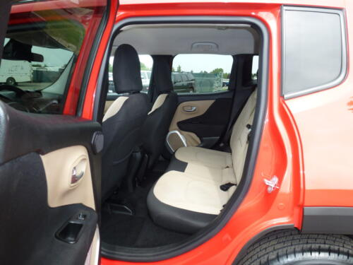2015 Jeep Renegade Limited (19)
