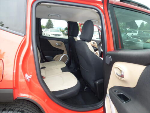 2015 Jeep Renegade Limited (22)