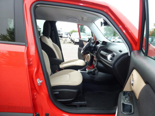 2015 Jeep Renegade Limited (23)