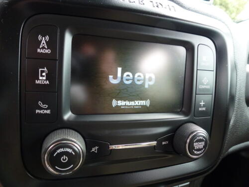 2015 Jeep Renegade Limited (4)