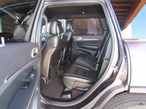 2016 Jeep Grand Cherokee Limited (13)